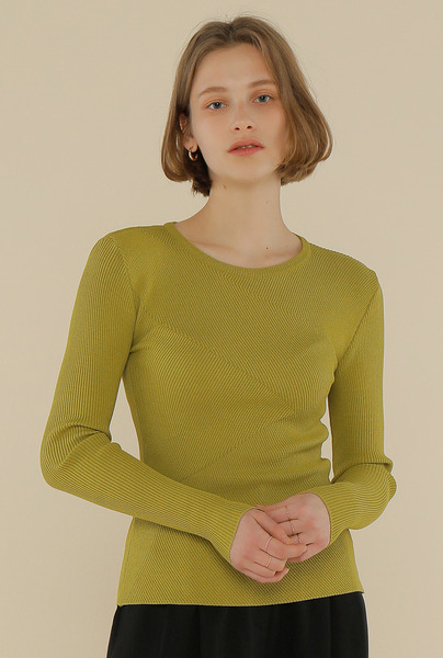 A DIAGONAL RIBBED KNIT TOP_OLIVE