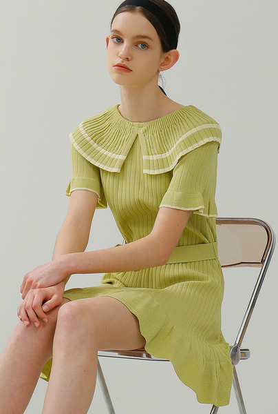 A WIDE COLLAR KNIT DR_YELLOWISH GREEN