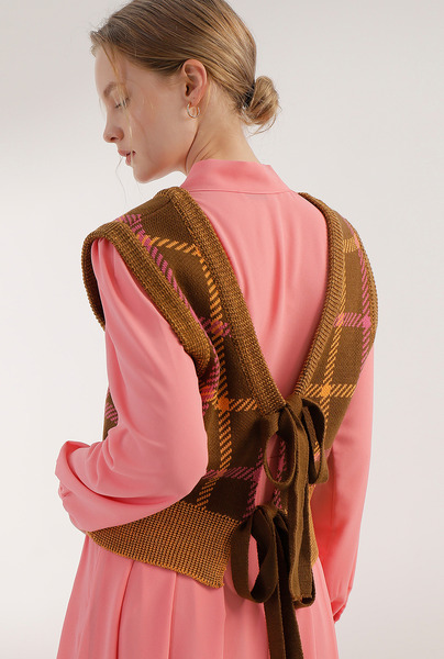 *네이비 10/28 배송예정* A CHECK RIBBON KNIT VEST [3 colors]