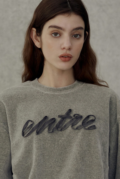 A RIBBON ENTRE SWEATSHIRT [2 colors]